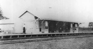 Cleveland Central railway station 1890 (Qld Govt Railways)