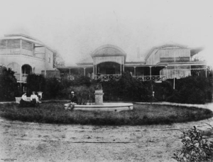 Doobawah residence at Ormiston ca. 1900 (State Library of Queensland)